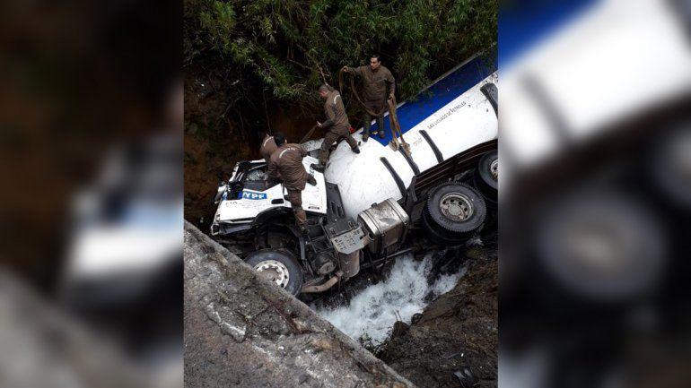 Rescataron a un camionero de Huincul que se desbarrancó en Chile