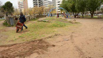 se anotaron 300 vecinos para trabajar cuidando las plazas