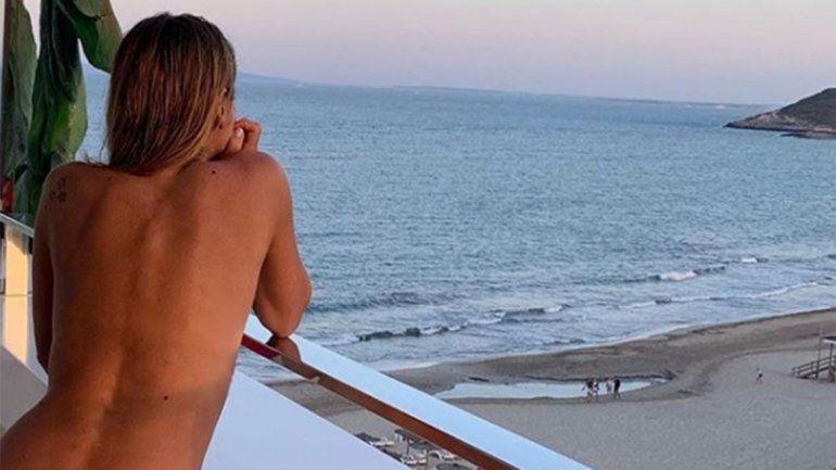 Flavia Palmiero celebró sus 53 años desnuda y la llenaron de elogios