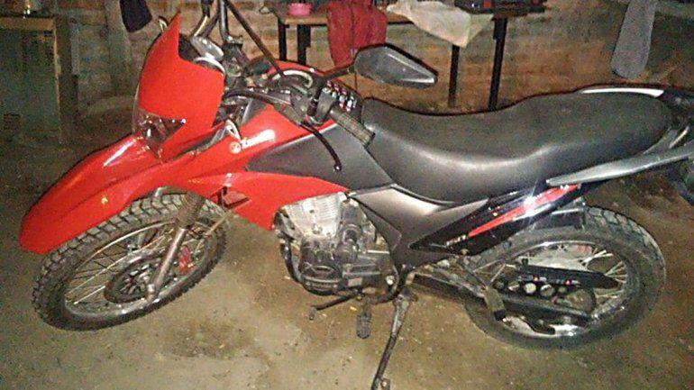 Le robaron la moto en Cutral Co y pide que no la compren
