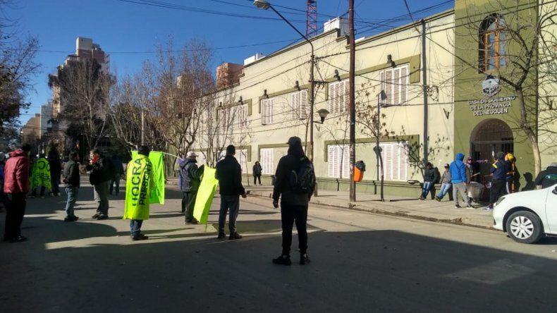 Trabajadores de la Uocra marcharon en busca de soluciones