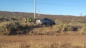 cuatro heridos al volcar una camioneta en la ruta 237