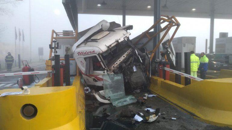 Dos nenes graves por un camión descontrolado