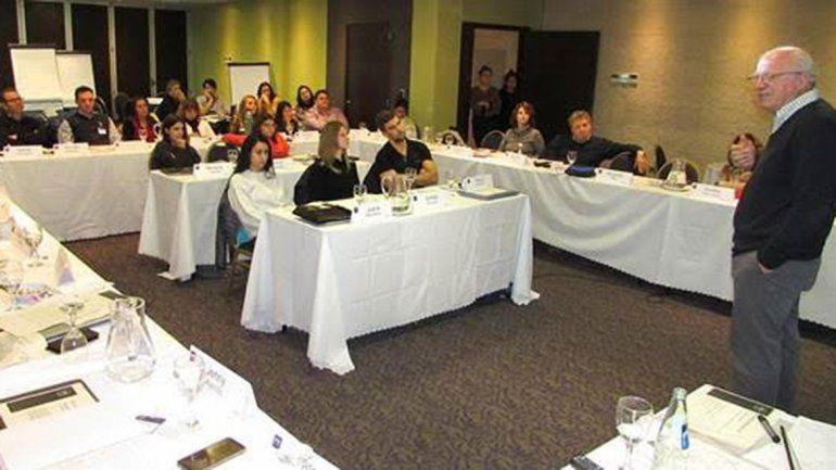 Empresarios se formaron en finanzas y gestión