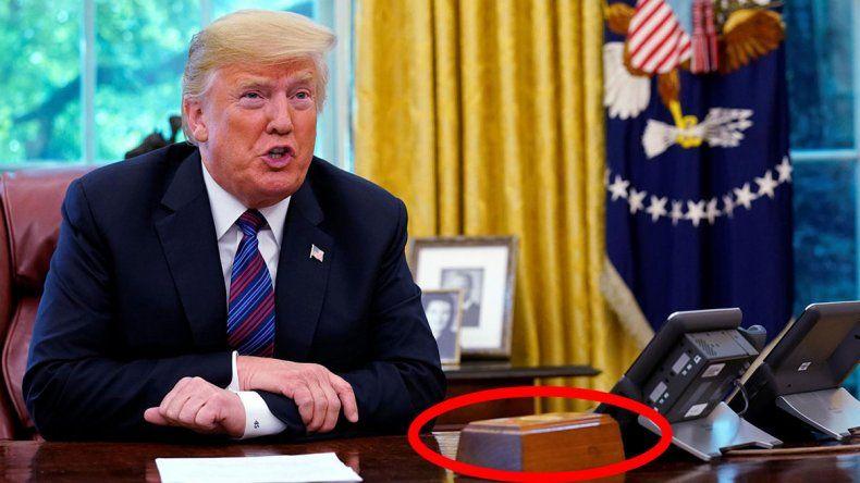 El extraño botón rojo de Trump que sirve para ¡pedir gaseosa!