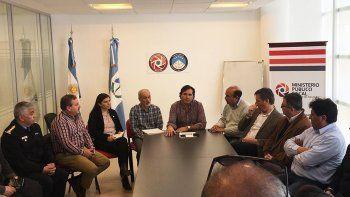 se realiza una reunion sobre la seguridad de los taxistas: clave para destrabar el conflicto