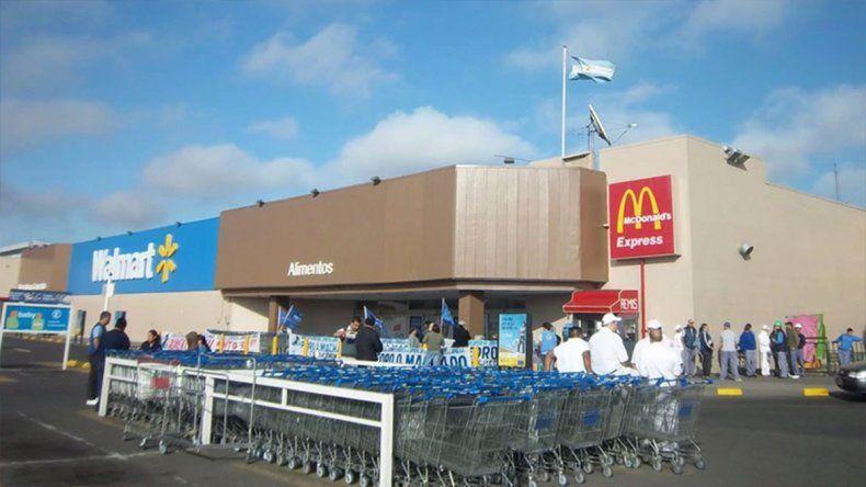 Golpe comando a un blindado en el Walmart de Avellaneda: robaron tres millones de pesos