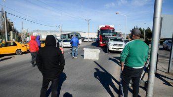 el bloqueo de taxistas llego a su tercer dia: mira el mapa