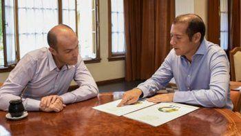 gutierrez firmo el decreto para obra de gas en primeros pobladores