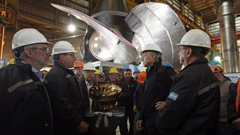 Macri visitó una fábrica mendocina y celebró su crecimiento