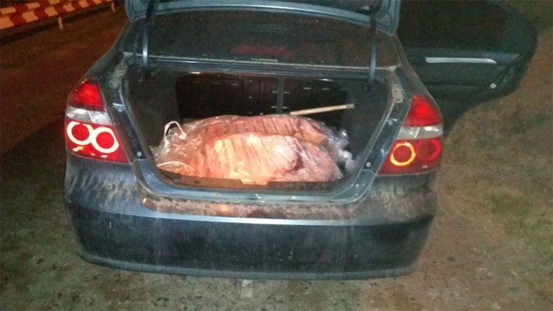 Lo atraparon intentando contrabandear 30 costillares de vaca al Alto Valle