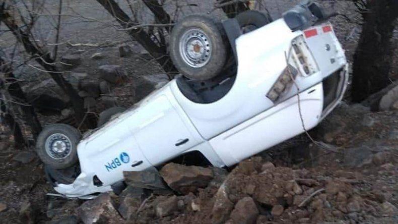 Volcó una camioneta en la ruta 43 por la presencia de hielo