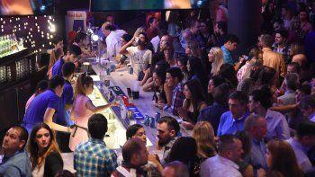 bares y restaurantes a pleno en el dia del amigo