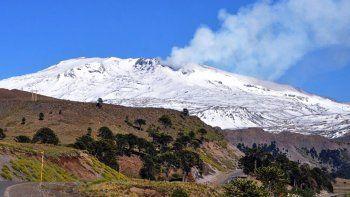 hicieron simulacro de evacuacion por el volcan copahue