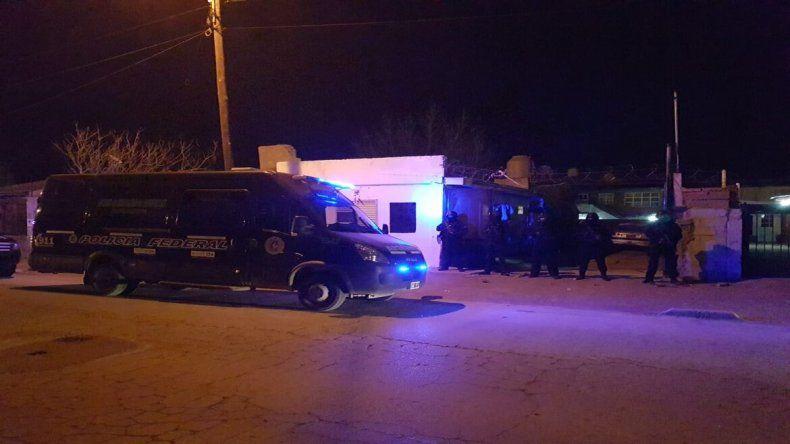 Cutral Co: secuestran cocaína y 50 mil pesos tras allanar un kiosco narco