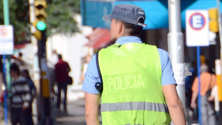 Policías truchos estafaban con bonos para la mutual