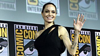 angelina jolie se suma a marvel  con the eternals