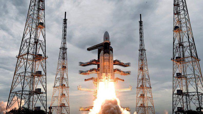 Despegó la sonda de la India que buscará llegar a la Luna
