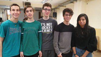 alumnos portenos crearon un robot que recicla los residuos