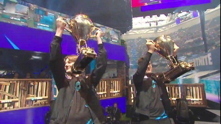 Dos adolescentes ganaron el Mundial de Fortnite