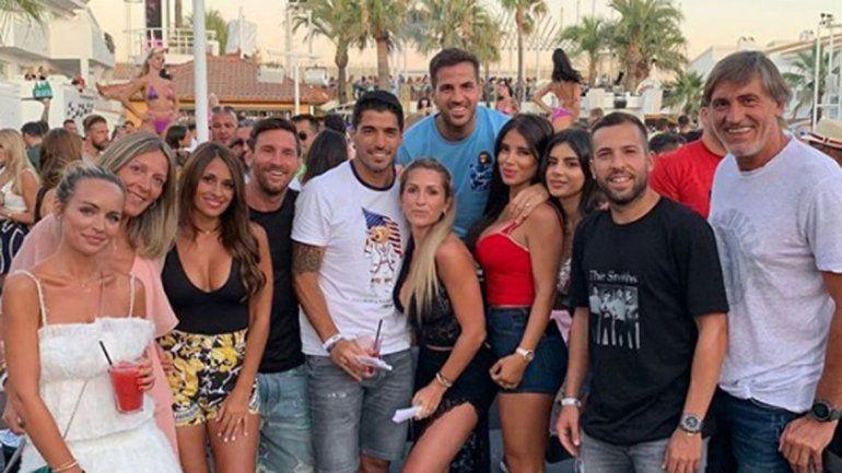 El video viral de la caricia de Messi a Antonella en la cola