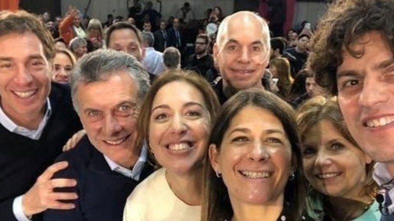 La selfie en el acto de Macri que dejó afuera a Michetti e hizo estallar las redes