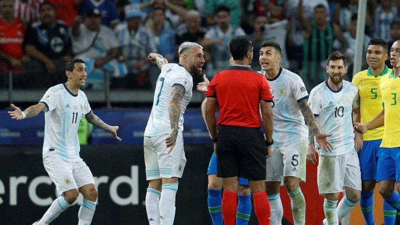 Ahora la Conmebol admite el mal uso del VAR en el partido de Argentina-Brasil