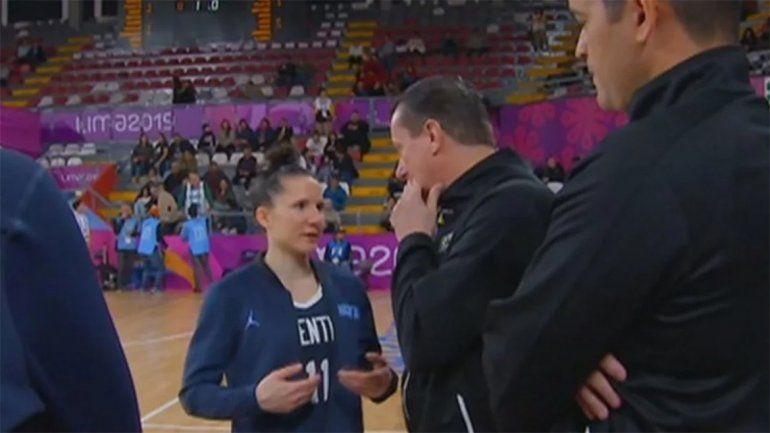 Papelón en los Panamericanos: la selección femenina de básquet perdió un partido por no tener camisetas y las redes estallaron