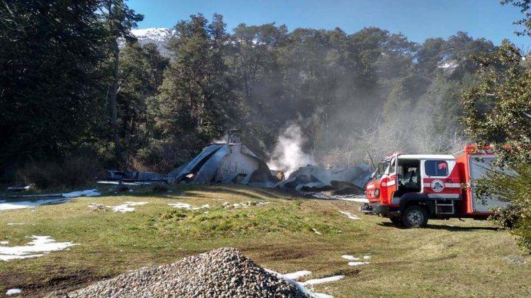 Tres cabañas se destruyeron por las llamas en Villa Mascardi