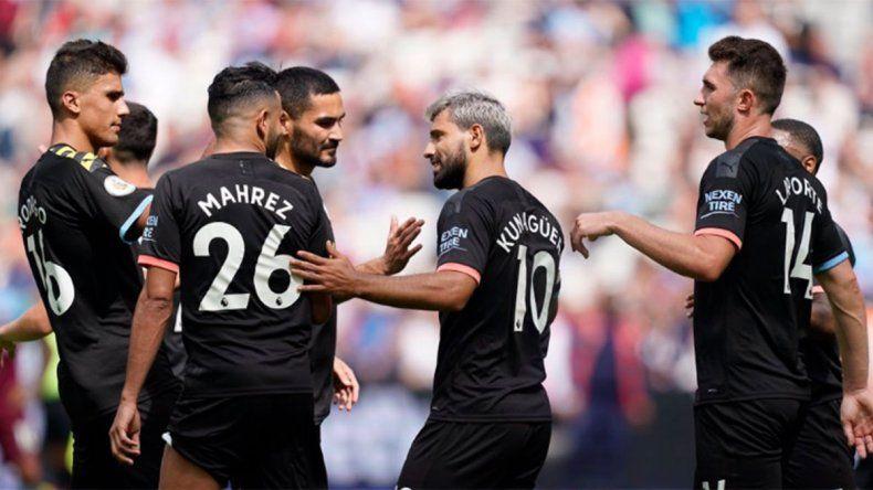 El City debutó en la Premier League con goleada y festejo del Kun