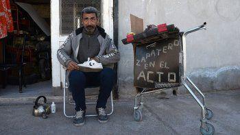 el curioso oficio de zapatero ambulante
