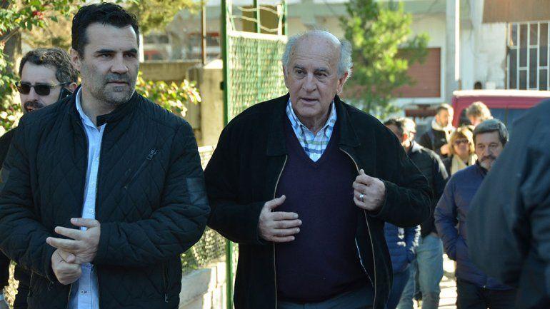 Tras votar, Parrilli y Martínez pusieron el foco en el escrutinio