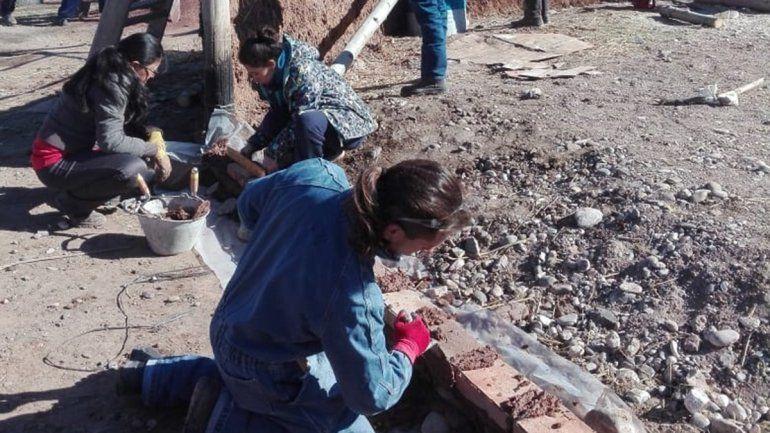 Centenario hace punta en construir edificios de barro