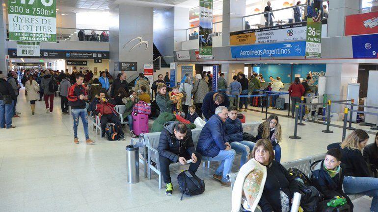 Gutiérrez aseguró que el mes que viene se inauguran las obras del aeropuerto