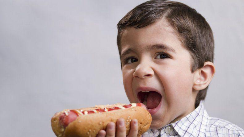 Lanzan una nueva campaña contra la obesidad infantil