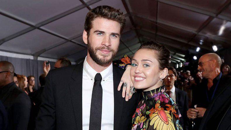¿Miley Cyrus se separó de su esposo por una mujer?