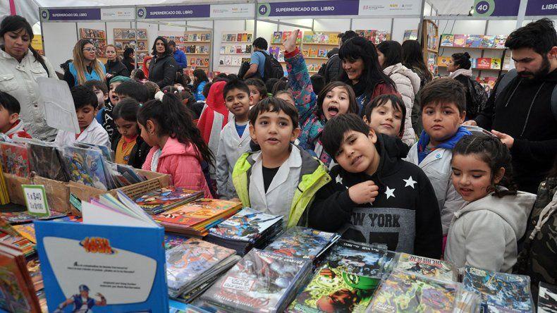 Ya se anotaron 9500 alumnos para visitar la Feria del Libro