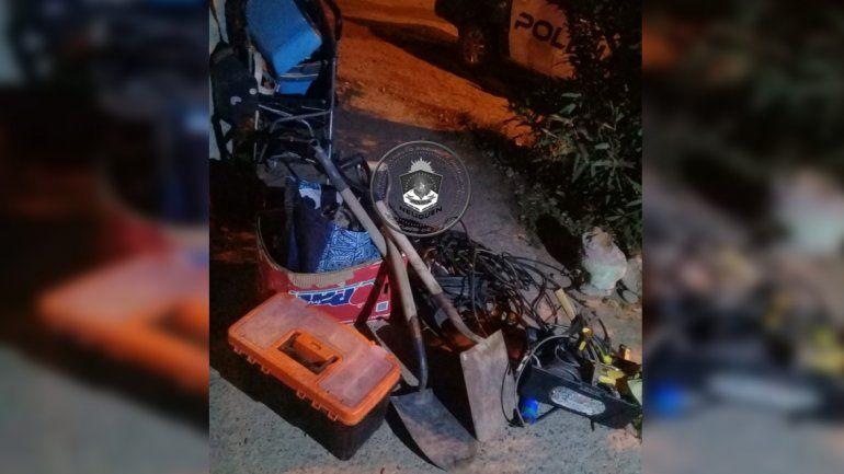 Lo atraparon con herramientas robadas de una casa