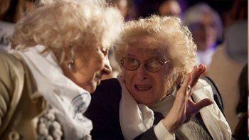 los emotivos mensajes para la vice de abuelas que cumplio 100 anos