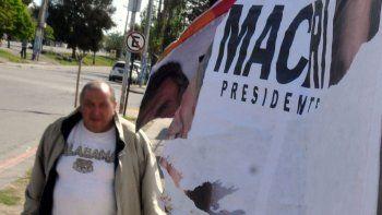 el municipio pidio custodia para sacar los carteles politicos