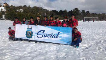 de jugar en la nieve de pehuenia a la seleccion argentina de potreros