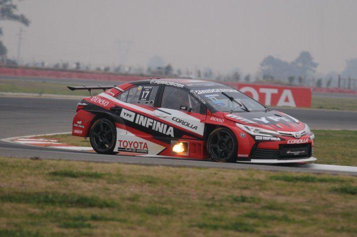 Matías Rossi se llevó la pole position del Súper TC2000 en San Nicolás