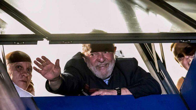 Lula dijo que quiere salir de la cárcel 100% inocente