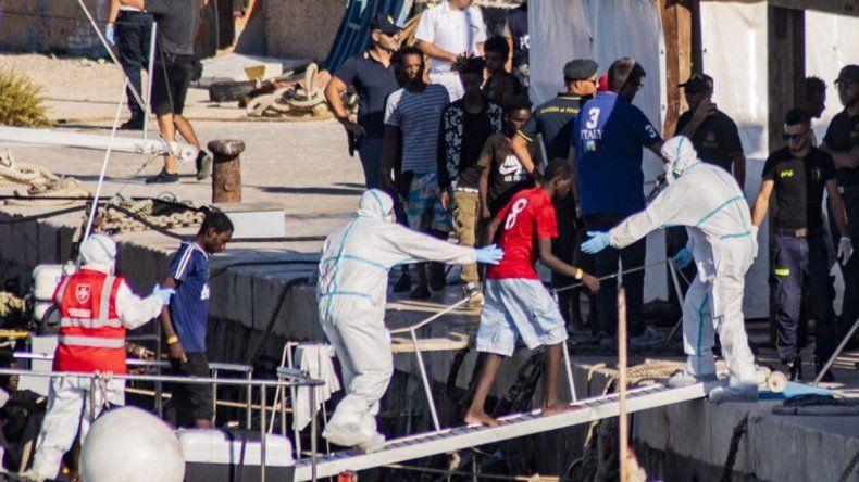 La Justicia italiana dejó desembarcar a niños inmigrantes