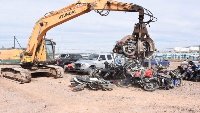 Compactan 30 motos secuestradas en Plottier