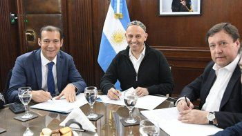 se viene el basurero regional: gutierrez firmo acuerdo con nacion