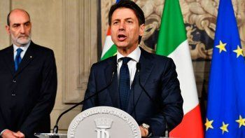 crisis en italia: renuncio el primer ministro conte