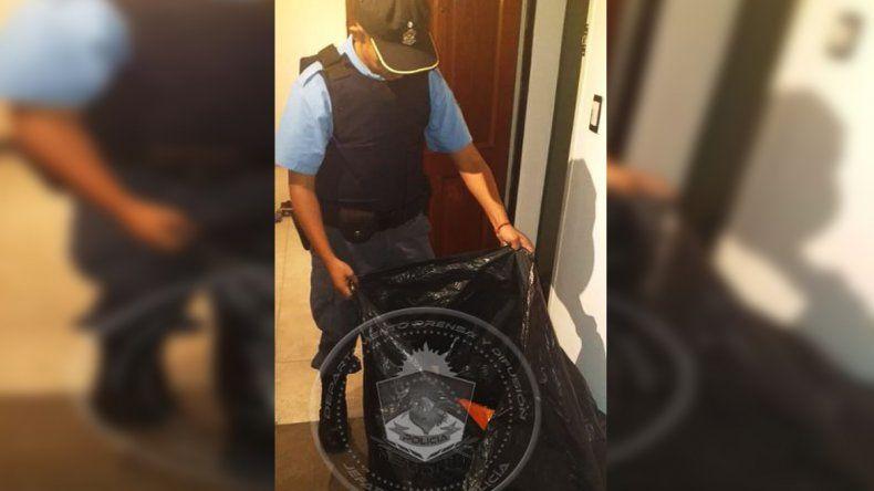 In fraganti: los demoraron mientras robaban herramientas de una casa