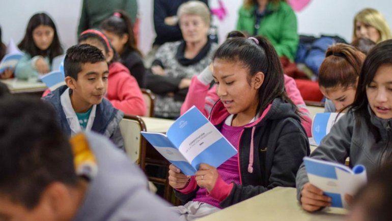 Alumnos neuquinos cantarán el Himno Nacional en lengua mapuche en el Congreso
