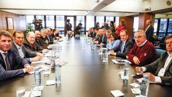 gobernadores piden retrotraer las medidas sino iran a la justicia